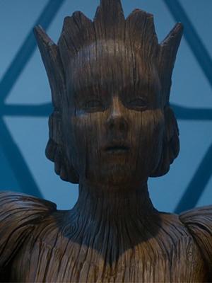 Wooden Queen -