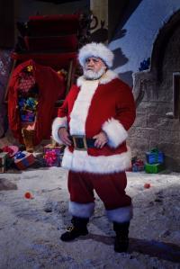 Santa Claus (NICK FROST) (Credit: BBC / David Venni)