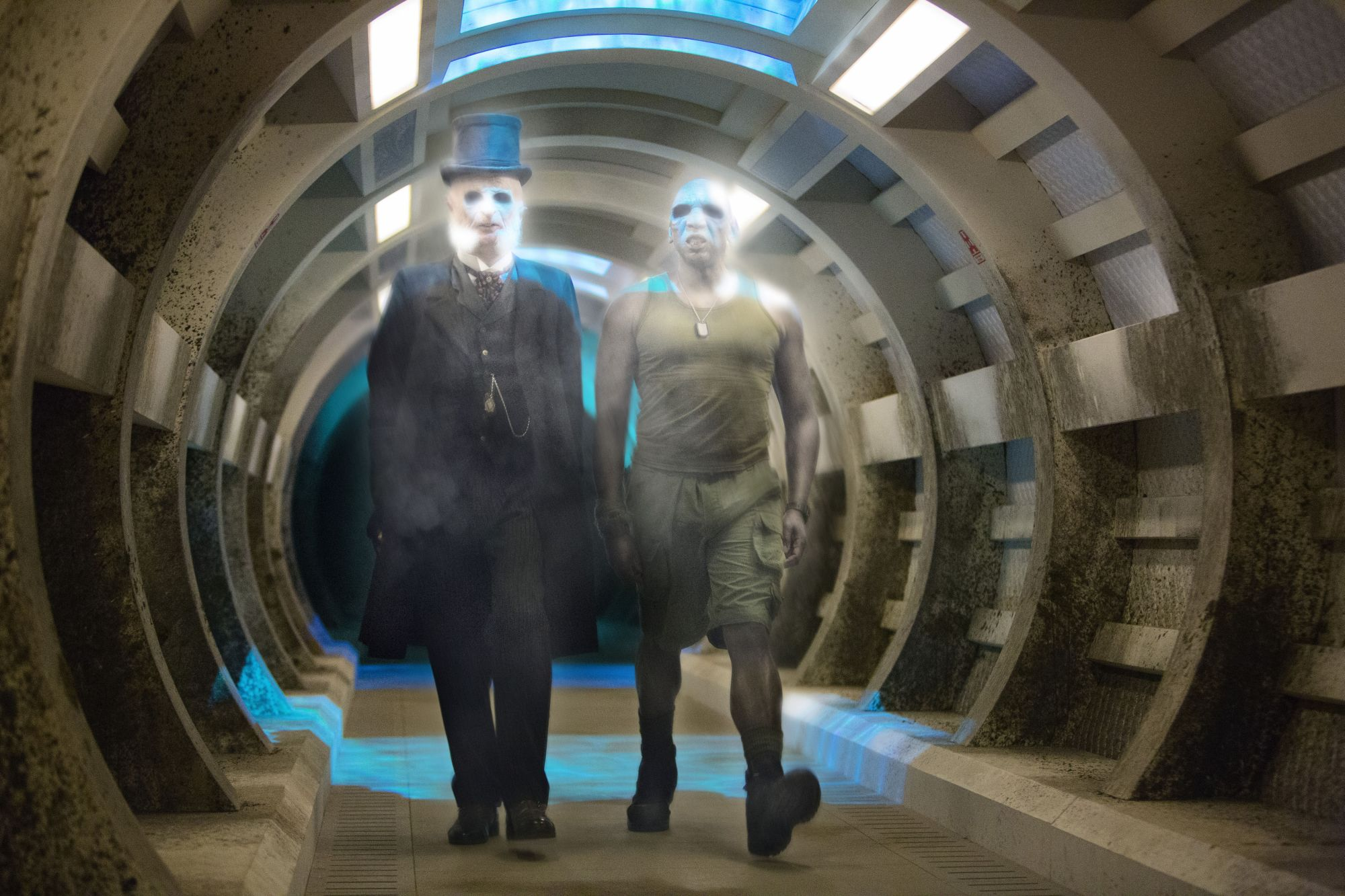 Under The Lake: Paul Kaye as Prentis and Colin McFarlane as Moran