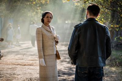 Rosa: Rosa Parks (Vinette Robinson), Krasko (Josh Bowman) (Credit: BBC Studios (Coco Van Oppens))