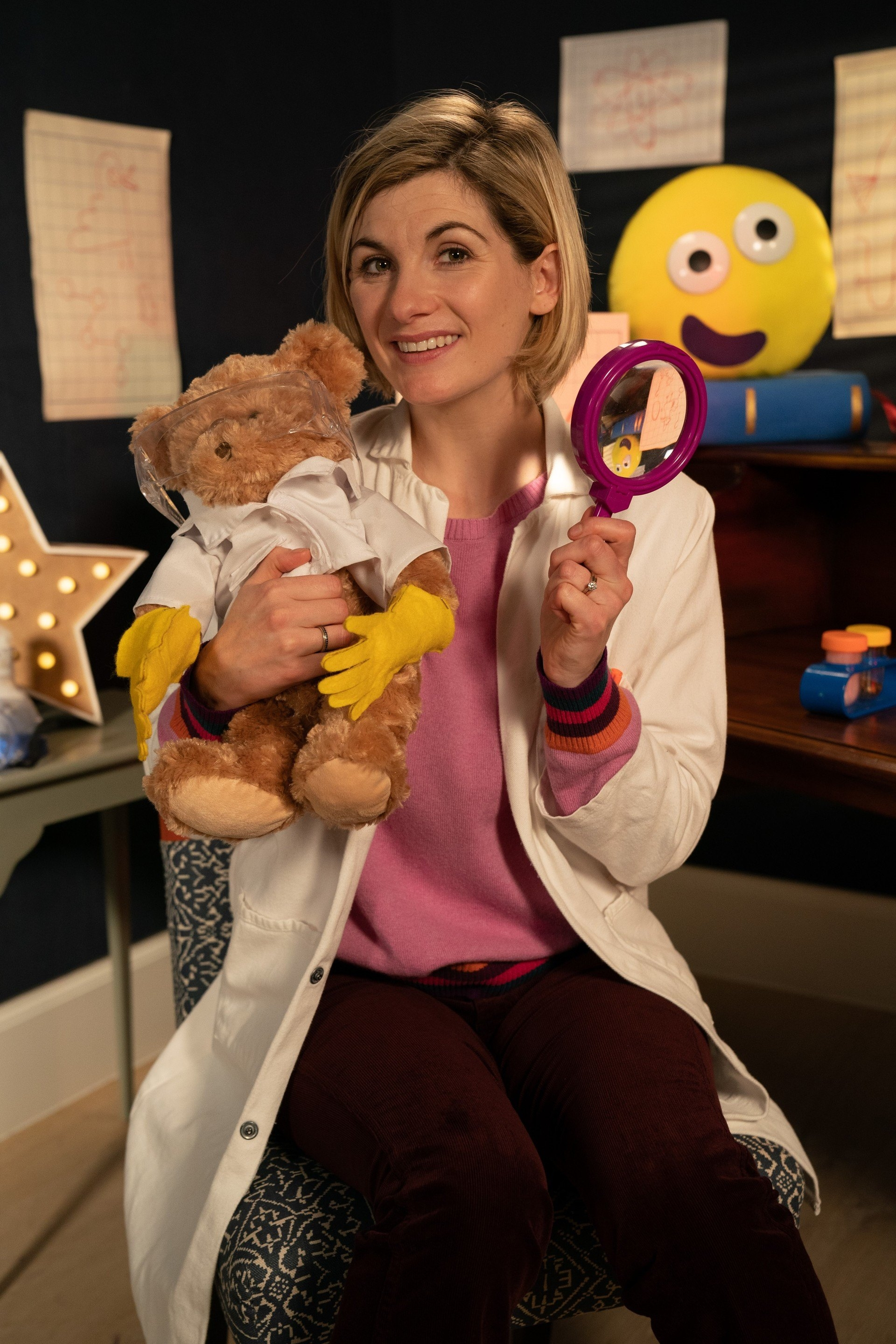 Jodie Whittaker reads Ada Twist, Scientist in Bedtime Stories (7 Dec 2018) (Credit: BBC)