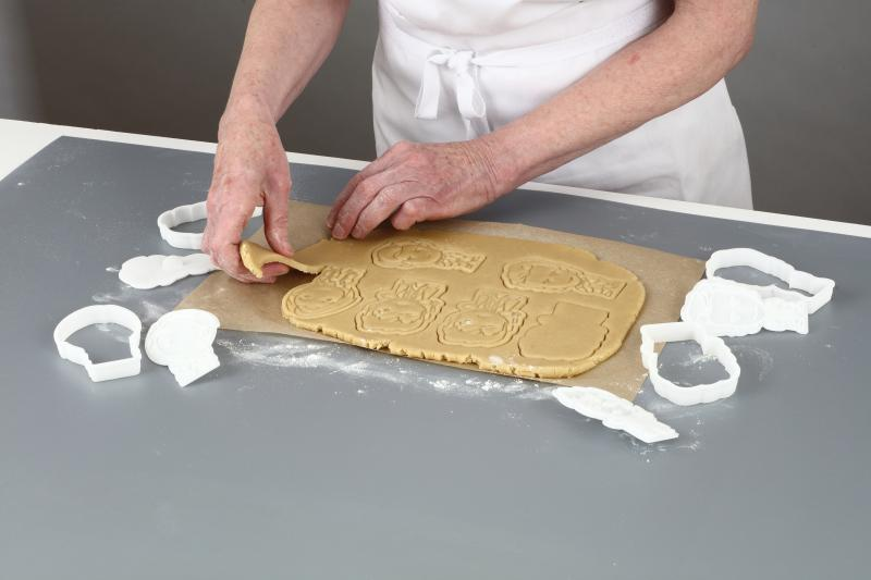 Baking Set (Credit: Hero Collector / BBC)