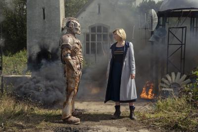 Ascension of the Cybermen: Ashad (Patrick O'kane), The Doctor (Jodie Whittaker) (Credit: BBC Studios (Ben Blackallll ))