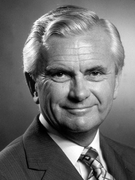 Kenneth Kendall (1924-2012)